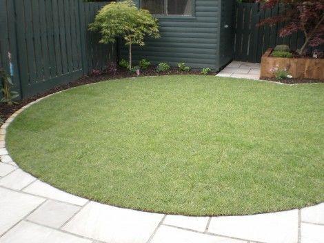 Voortuin stoep aansluiting: Circular Lawn, Lane Garden, Circular Garden, Garden Ideas, Garden Goodies, Country Lane, Garden Musing