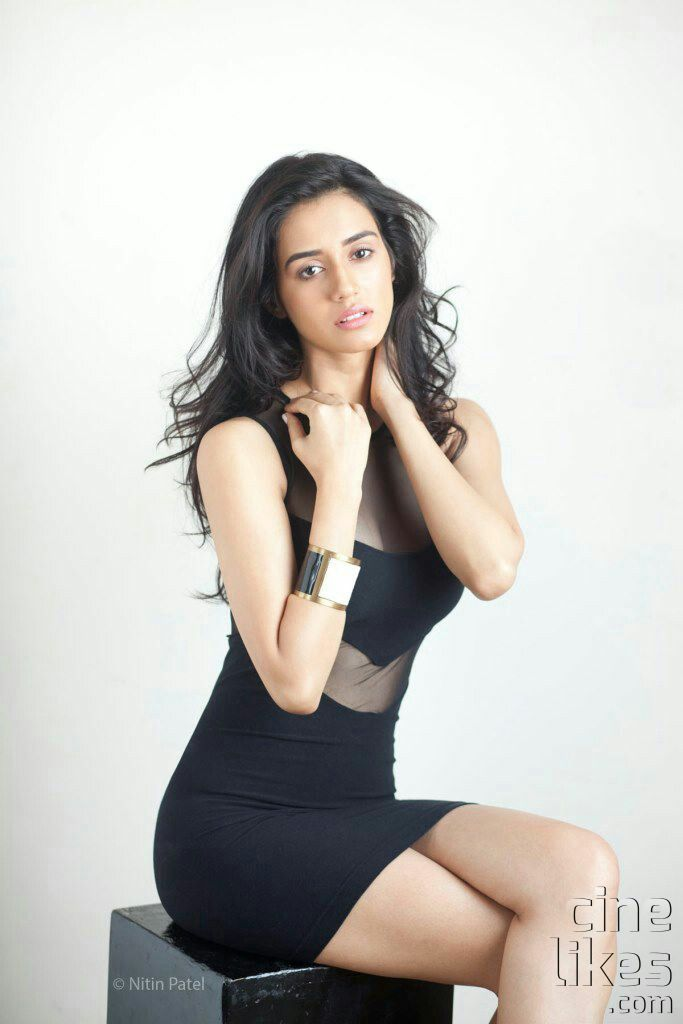 Disha Patani hot and sizzling