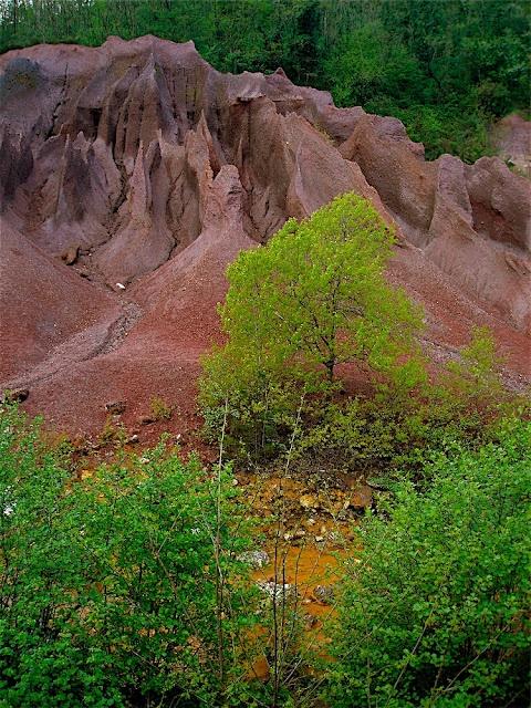 yellow river, purple rocks. Le roste (Grosseto, Tuscany)