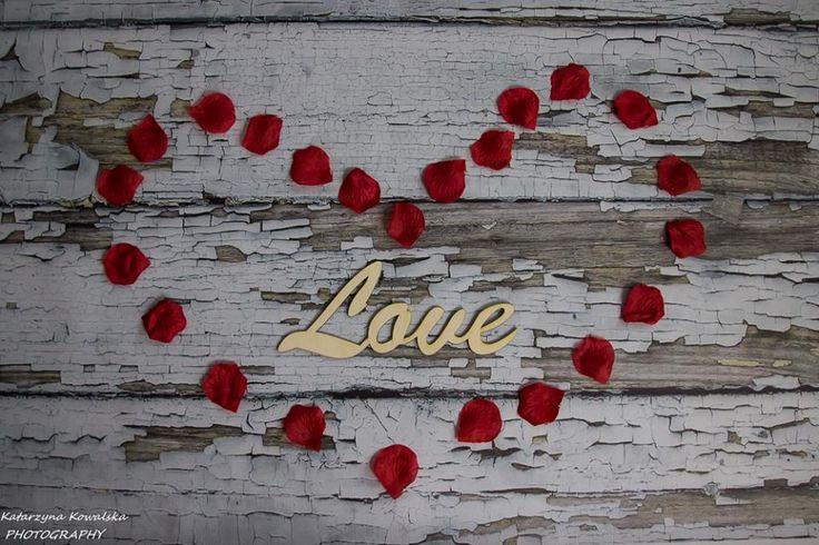 Napis LOVE - idealny do WALENTYNKOWYCH sesji zdjęciowych i nie tylko. Wymiary 26,5 cm x 11,5 cm x 3 mm Cena 15 zł + kw (7 zł Poczta Polska lub 20 zł Kurier) info@dex-druk.pl www.dex-druk.pl http://www.drukimedyczne.pl/