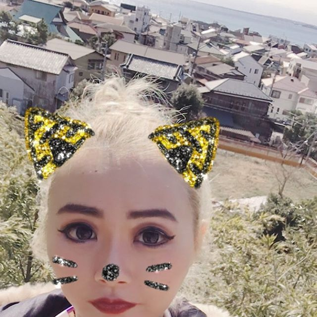 【sammy_kokouda77】さんのInstagramをピンしています。 《#sea #ocean #beach #temple #view #japan #japanesetemple #walk #sky #town  #海の見える街  #海》