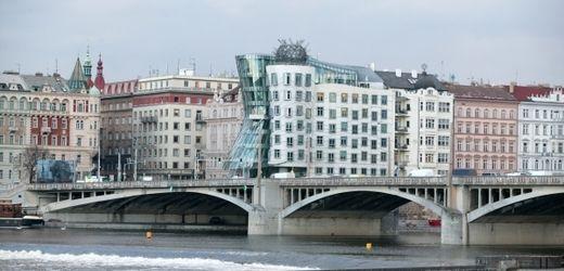 ...dancing house Prague