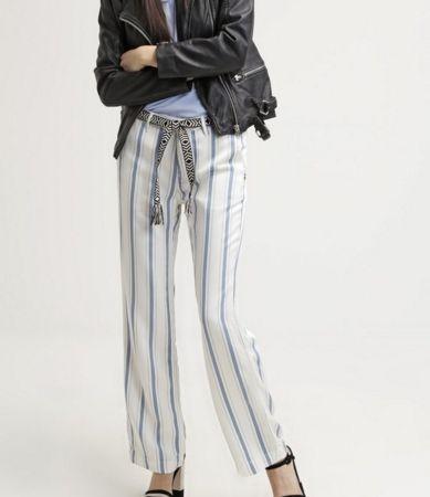 Maison Scotch Spodnie materiałowe w pionowe paski damskie white/blue