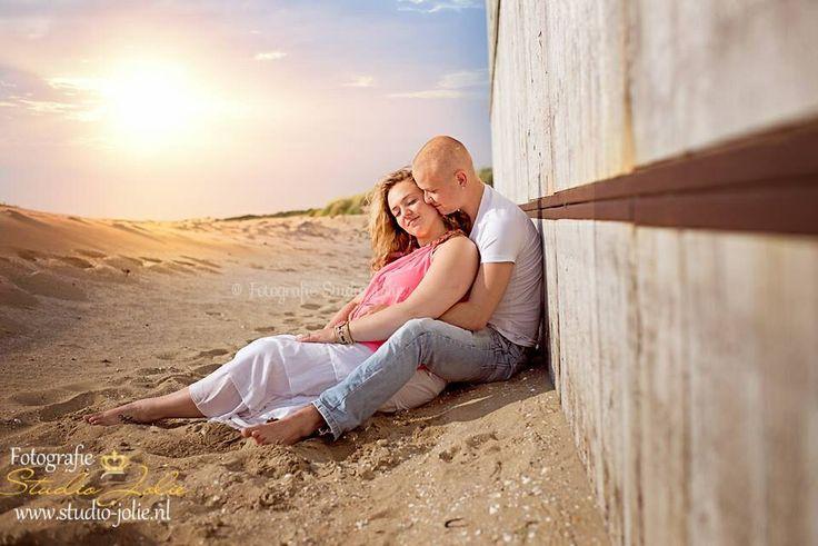 Fotoshoot samen met je vriend, romantische fotoshoot, duoshoot, strandfotoshoot, liefde,  stelletjes, fotoshoot op het strand.