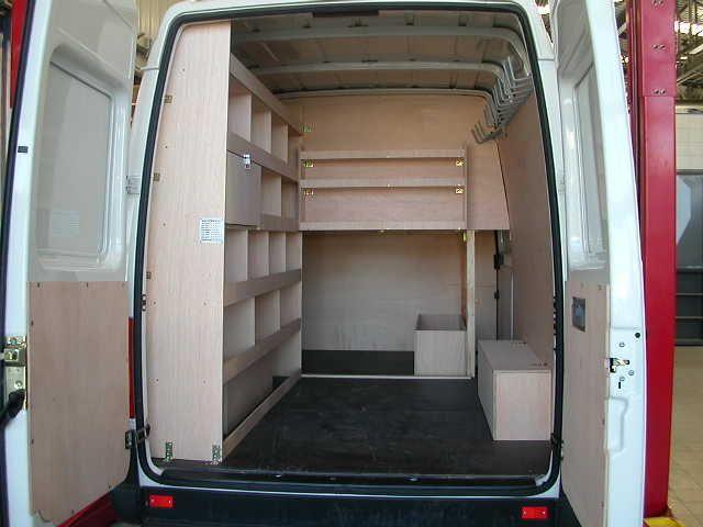 les 25 meilleures id es de la cat gorie fourgon volkswagen sur pinterest volkswagen. Black Bedroom Furniture Sets. Home Design Ideas