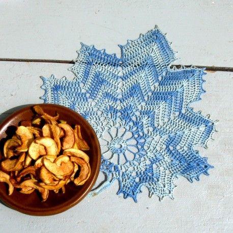 Háčkovaný list - modrý