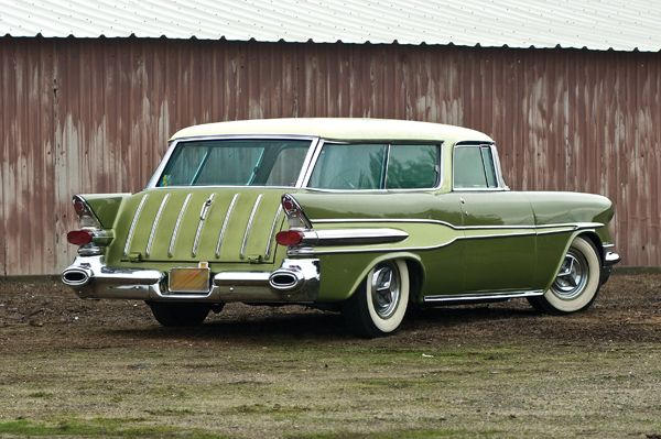 1957 Pontiac Safari Wagon.