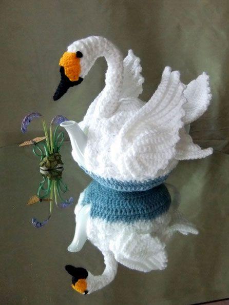 The glorious swan tea cosy crocheted by Lynne Hardman