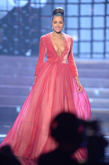 Oliva Culpo Miss Universe 2012!  She looks like a princess