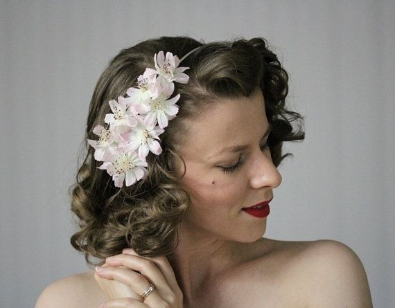 Pale Pink Fascinator by ChatterBlossom #pale #pink #cosmos #flowers #vintage #hair #accessory #1950s