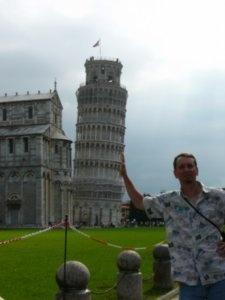 Holding Up Piza: Travel Blog