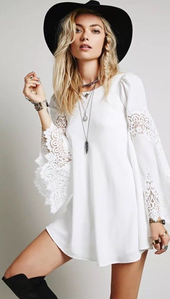 e5a0b7ccec9 For Love And Lemons Festival White Isabelle Dress Bell Sleeve Boho Chick  Size XS  ForLoveLemons  BohoChick  Festive