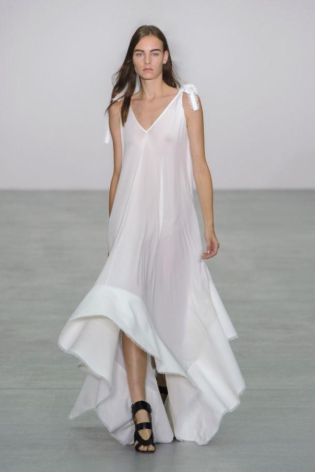 Moda Estate 2017: i vestiti bianchi di tendenza adesso