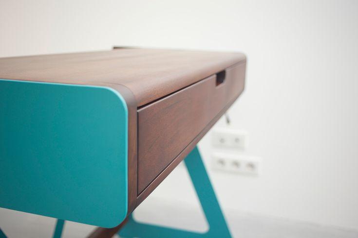 Bureau noyer 1020 Desk System, #bureau #desk #desktop #design #mobilier #furniture
