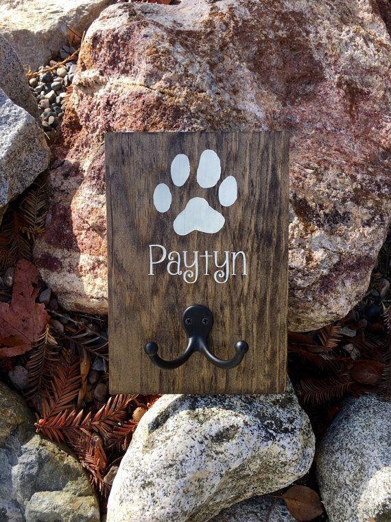 Dog Leash Holder,Dog Leash Sign,Wood Dog Sign,Dog Decor,Rustic Dog Decor,Hand Painted,Farmhouse Decor,Dog Collar Holder