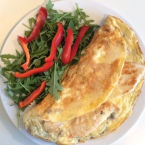 The Body Coach: Chicken Omelette  Super fast super #lean breakfast packed with healthy fats and proteins to fuel your body! #teamlean2014 #chicken #Omelette #food #breakfast #fitfam #fitspo #Leanin15Following