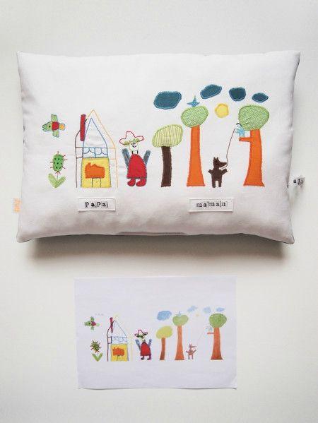 Coussin fabriqué à partir d'un dessin d'enfant : atelier Zut!