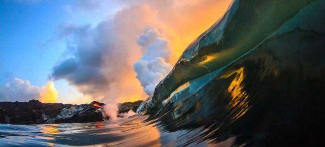 Οταν δύο φωτογράφοι φτάνουν στα άκρα για μία λήψη - Εκεί που τα κύματα βγάζουν φωτιά στην κυριολεξία
