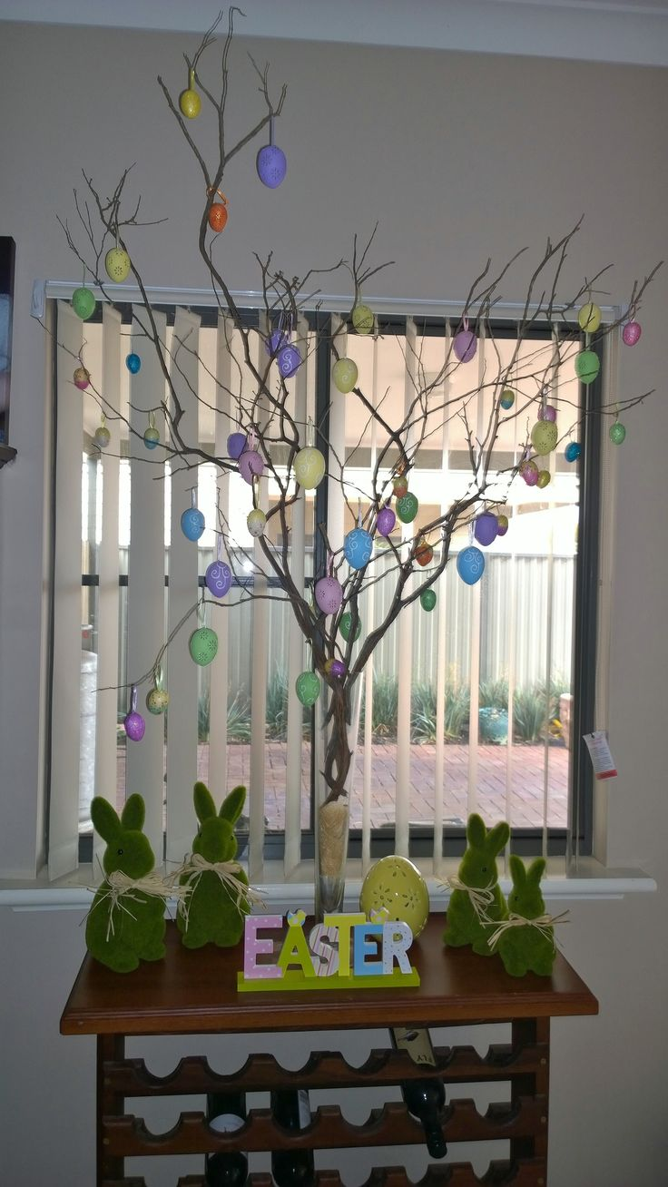 Our Easter Tree :) http://twopointfivekids.com.au/2014/04/our-easter-tree.html