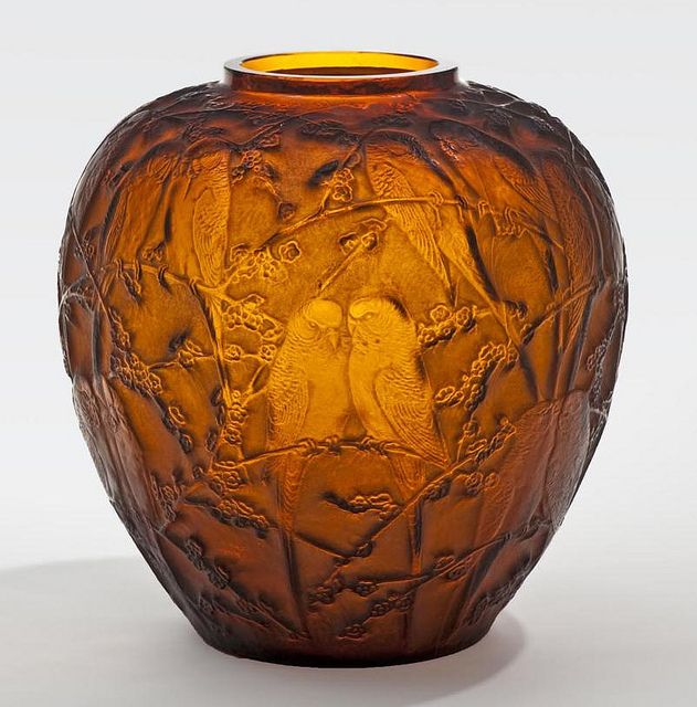 Jar 1930 - Lalique-Collection of the Winnipeg Art Gallery