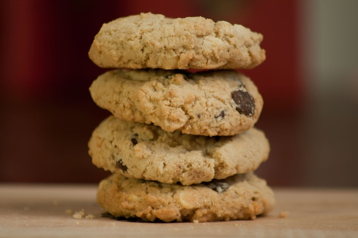 Gluten-free chocolate chip cookies. http://www.steannes.com/bakery.html