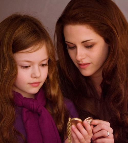 Renesmee looks exactly like Bella, did you notice?