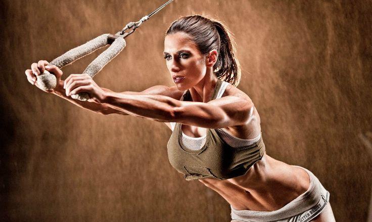 План питания для женщин от Полин Нордин.  Полин Нордин, одна из известнейших мировых фитнес-моделей, предлагает женщинам диету, которая поможет им всегда быть в форме. Эта диета подходит тем, кто тренируется на регулярной основе и хочет выглядеть более рельефно, не испытывая при этом постоянного чувства голода.  Концепция Диеты Бойца состоит в том, чтоб ограничивать употребление углеводов в течение шести дней недели. Седьмой день становится своеобразным углеводным «загрузом». Это позволяет…