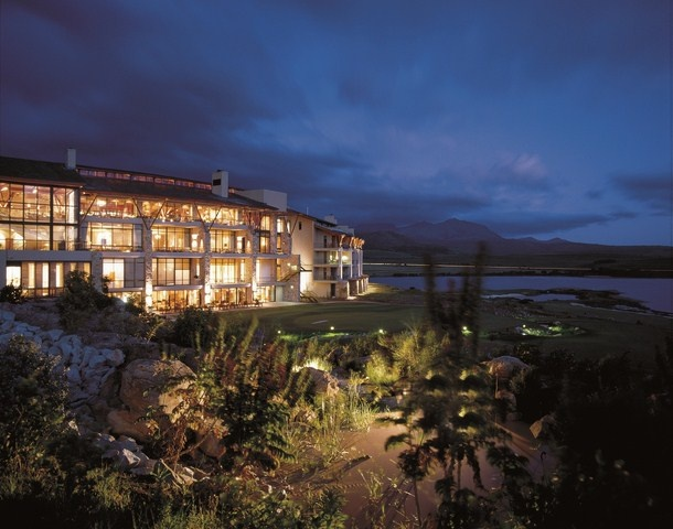 The Arabella Hotel & Spa is situated on the banks of the beautiful Bot River lagoon in Hermanus and bordered by the Kogelberg Nature Reserve, a declared Biosphere Reserve and a proposed World Heritage Site. The hotel, carefully designed to blend into the natural environment, is nestled on cascading banks that flow towards the estate's spectacular peninsula. All rooms offer tranquil vistas of the water, golf course or mountains…