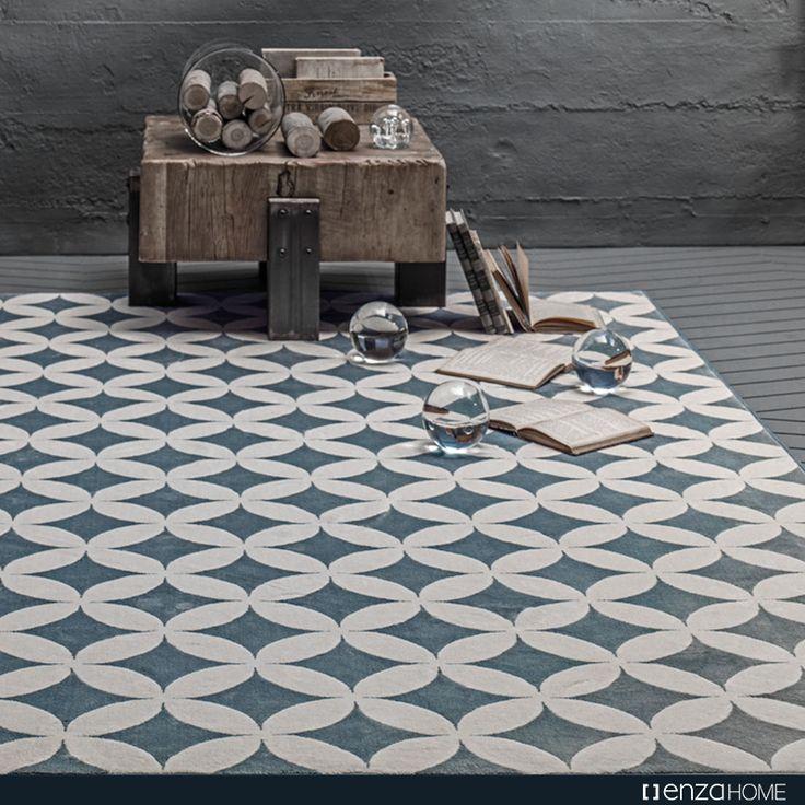 Ceramic Halı, ince formu, kolay temizlenebilir yapısı ve solmayan capcanlı rengiyle bir halının sahip olabileceği tüm özellikleri sizlere sunuyor.