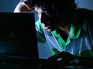 """""""Confissões de um viciado em facebook"""" no blog do Andrew."""
