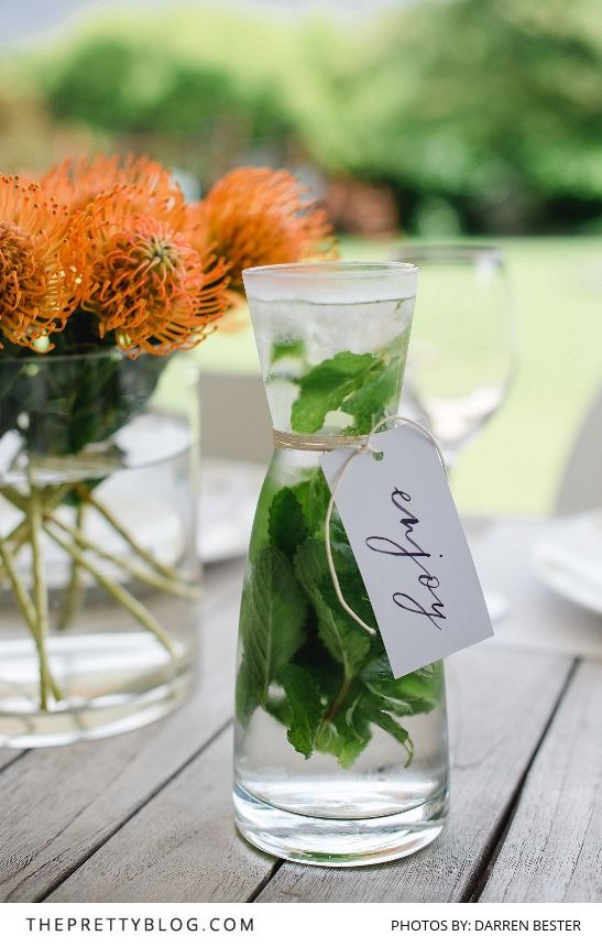 Lunch Celebration Inspiration | Summer Christmas table decor | Photography by Darren Bester