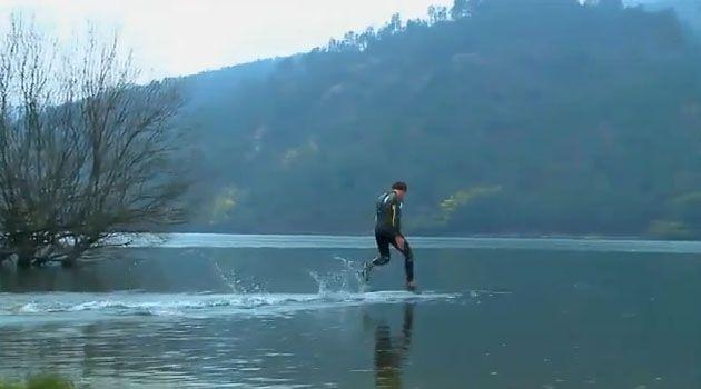 Corriendo sobre el agua - Cosas increíbles por gente asombrosa - Cosas IncreiblesCosas Increibles