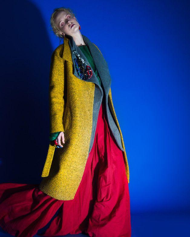 Ilona - długi, zimowy płaszcz z kołnierzem - Talia-Fashion - Płaszcze
