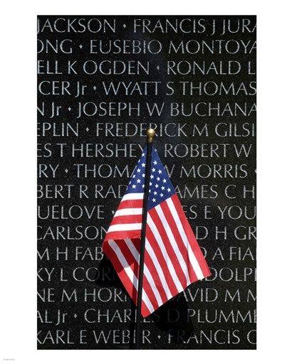 American flag at Vietnam Veterans Memorial