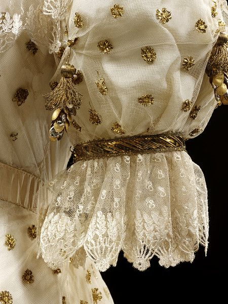 ca. 1805 sleeve detail Ball gown | V Search the Collections