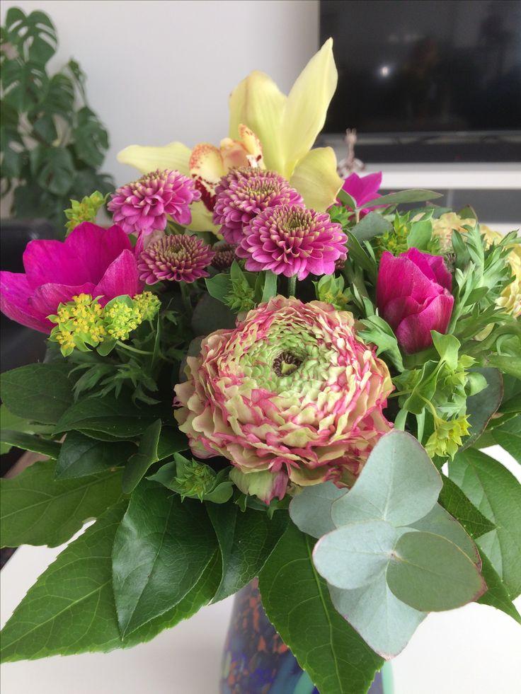 Blomster fra min søde roomie og kollega på kontoret hos Jysk Fynske Medier (28/1-17)