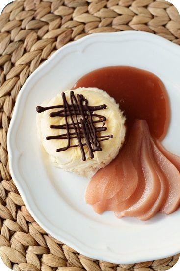Vanille-Zimt-Parfait mit Punschbirnen