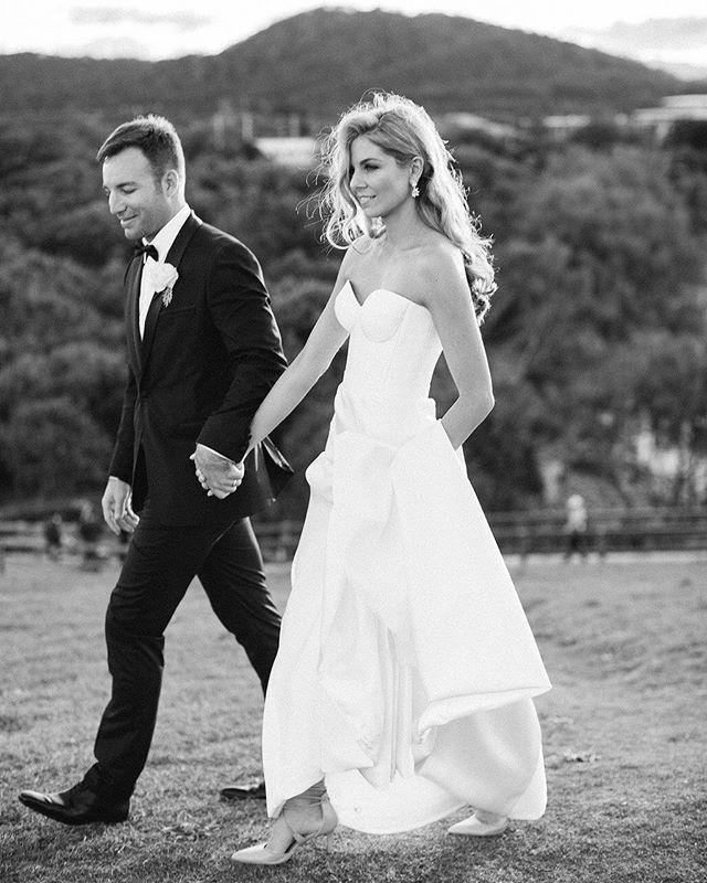 Modern wedding gown  by Karen Willis Holmes  ||  Follow @KWHBridal   (Photo: Heart & Colour)