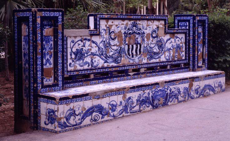 Parque Ribalta. Banco  Pintado al agua(nº4)   Estato original Castellón