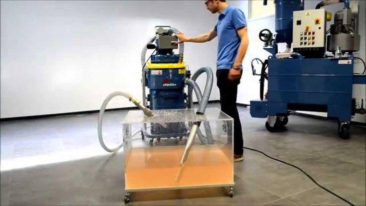 Industrial vacuum cleaner filtering lubricant oil   Delfin