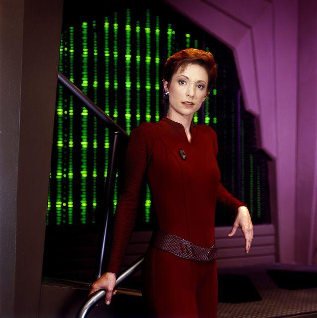 Interview with Nana Visitor (Kira Nerys) at Star Trek: Las Vegas - Shoes and Starships