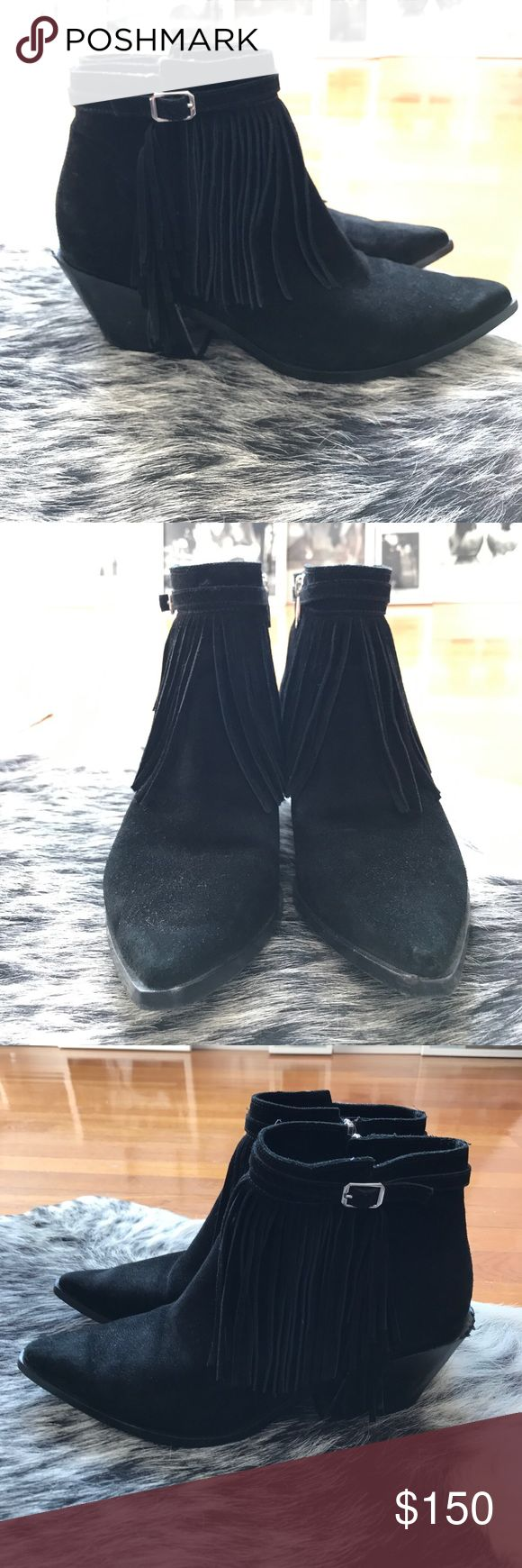 Sigerson Morrison Fringe Boots Booties Shoes Sigerson Morrison Fringe Boots Booties Shoes.  Such a haute Fringe trendy and comfortable shoes... :). Size 7 1/2.  Excellent condition. Sigerson Morrison Shoes Ankle Boots & Booties