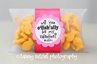 101 valentines under $5: Valentines Ideas, For Kids, Cute Ideas, O' Fish, Valentine'S S, Valentines Gifts, Valentines Day, Valentines Treats, Goldfish Crackers