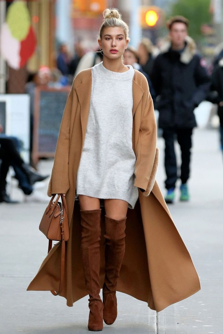Hailey Baldwin made waves with her easy Sunday look in the city, thanks to a few key pieces.