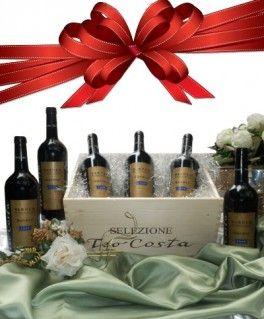 €143,44 http://www.oilwineitaly.com Regalo Selezione Migliori Vini. Fiore all'occhiello della regione Piemonte in campo vitivinicolo è sicuramente il Barolo. Si tratta di un vino conosciuto in tutto il mondo e di grande prestigio. Da sempre il regalo è un gesto che comunica gratitudine e riconoscenza, gratifica una collaborazione, rende indimenticabile e talvolta anche magica un occasione speciale.