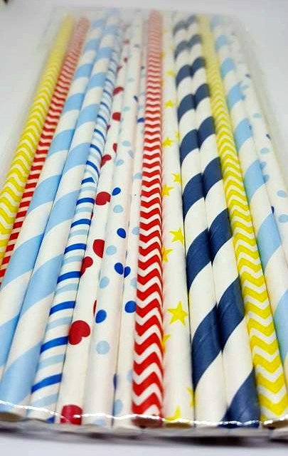 Snow White inspired straw variety. Snow White party supplies.
