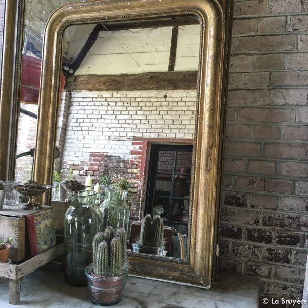 Les 25 meilleures id es de la cat gorie maisons en stuc for Miroir au dessus d une cheminee