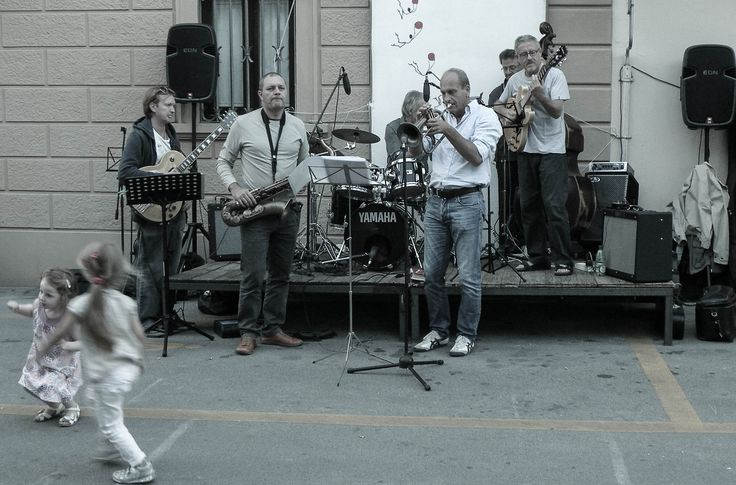 """espositori alla festa """"Vino al Vino 2013"""" a Panzano in Chianti"""