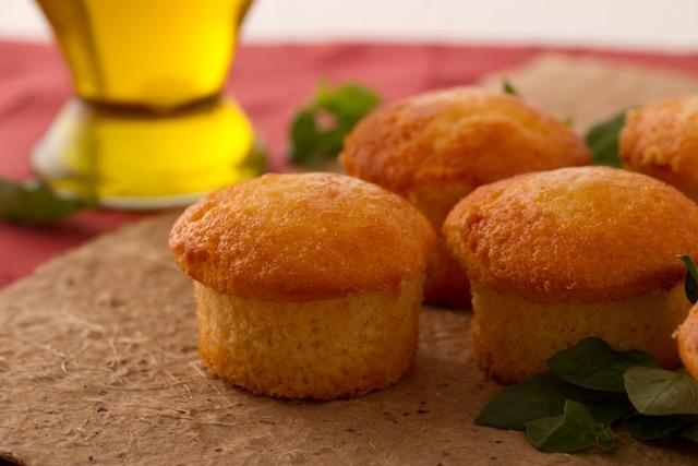 Muffins de Aceite de Oliva Albahaca Banquete.  La receta está acá http://vidabanquete.cl/blog/2012/08/01/muffins-de-aceite-oliva-albahaca