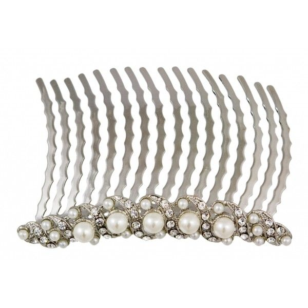 Simple and classic, this chic siver tone crystal and pearl hair comb is a timeless hair accessory - perfect for brides and bridesmaids who adore vintage jewels